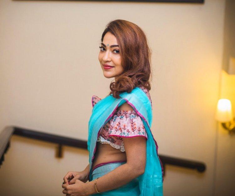 கவர்ச்சிக்கு தாவிய நடிகை VJ ரம்யா