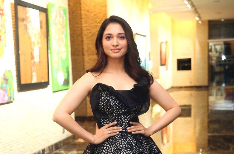 நடிகை தமன்னா எடுத்த அதிரடி முடிவு